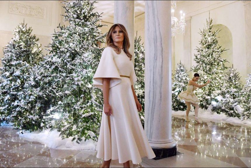 Melania-Trump-prete-pour-son-premier-Noel-a-la-Maison-Blanche