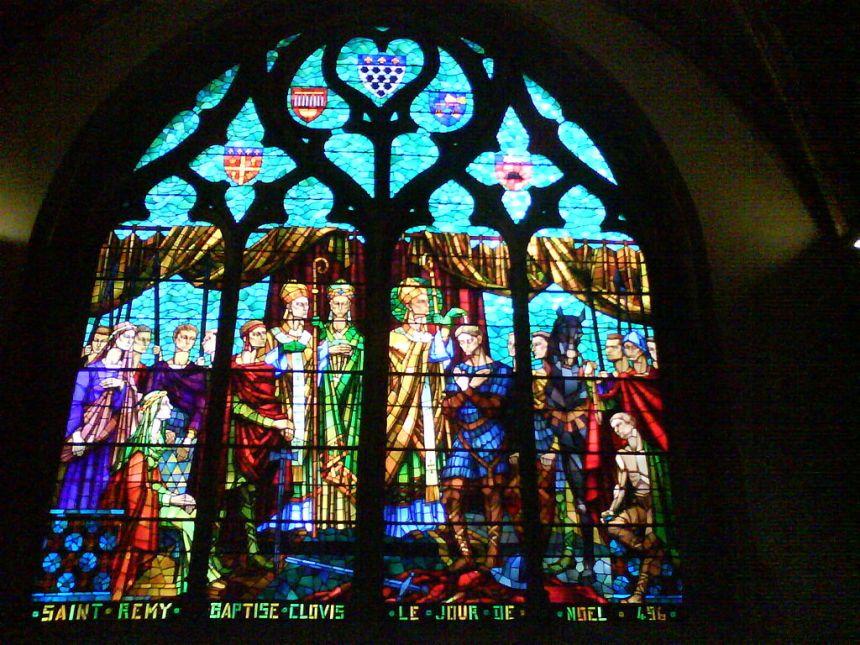 1024px-Vitrail-église-saint-bonaventure