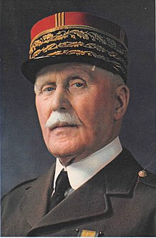 Pétain_-_Portrait_photographique_1941