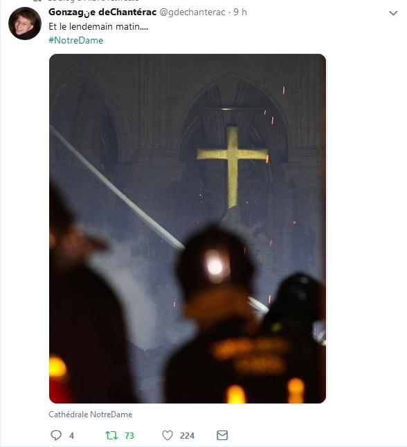 Croix du Christ de Notre Dame.png