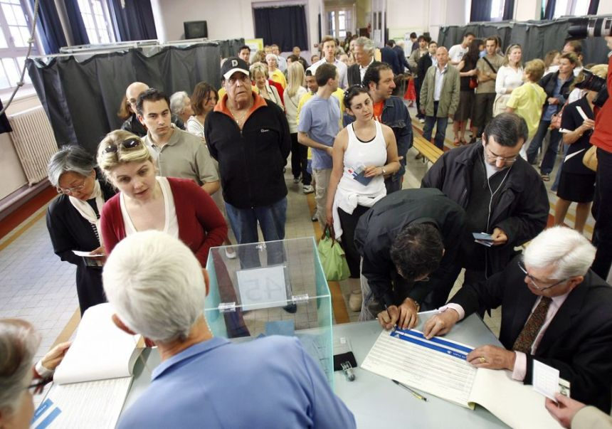 Procession messe dans un bureau de vote