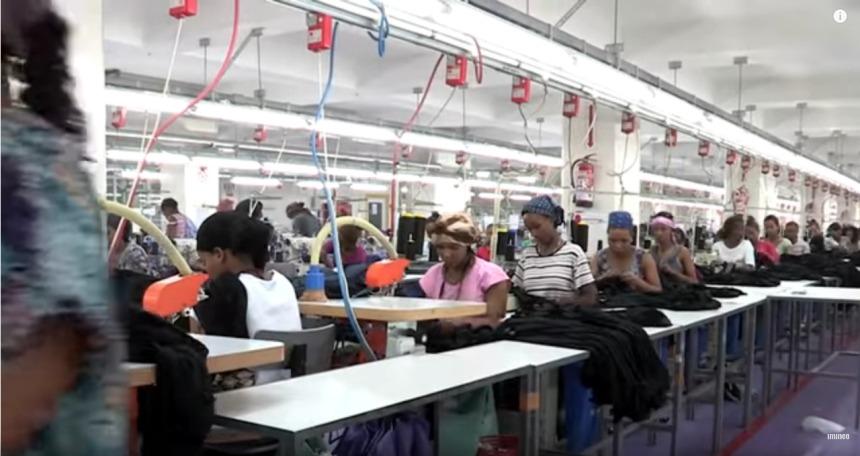 Screenshot_2019-09-05 Levi's, Diesel, Zara, la guerre du jean - YouTube