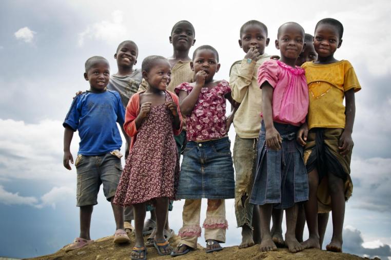 Screenshot_2019-09-19 image d enfants africains affamés at DuckDuckGo(1)
