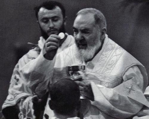 Screenshot_2019-09-23 Prière après la Sainte Communion « Restez avec moi, Seigneur », de Saint Pie de Pietrelcina (1).png